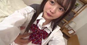 วัยรุ่นญี่ปุ่นที่มีหัวนมขนาดเล็ก